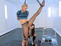 Bella Bends Gymnast Electrified Txxx Com