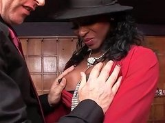 Jasmine Allows Her Hubby Pump The Whole Banana In Her