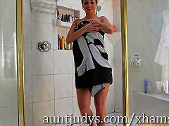 Skinny Milf Alana Luv Has Some Fun In The Shower Porn 9e